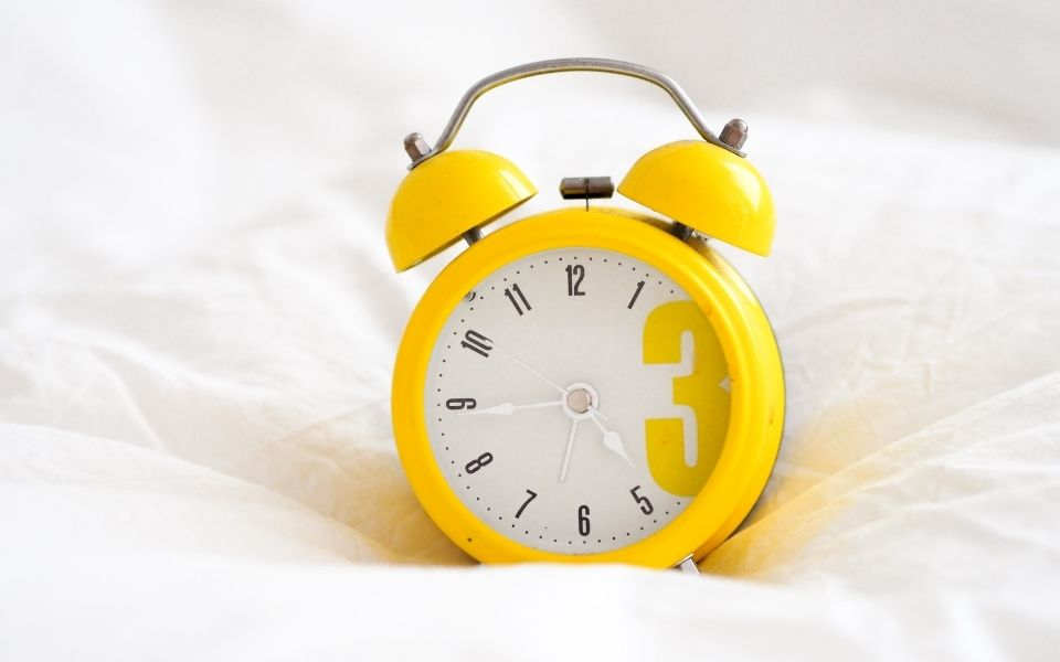 how to wake up without snooze