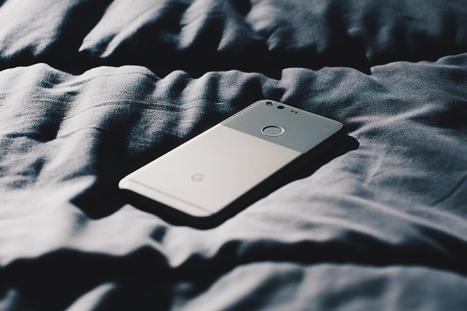 Keep your phone out of a bed for a better nightly routine